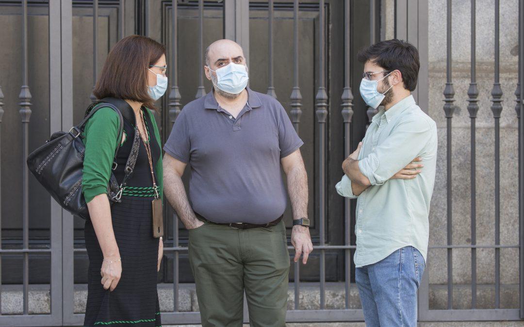 """""""Hay que regular la jornadas laborales que en casos alcanzan las 50 o 60 horas semanales…"""" por Pedro Viaño, portavoz del Comité de Huelga. Noticia de Europa Press"""